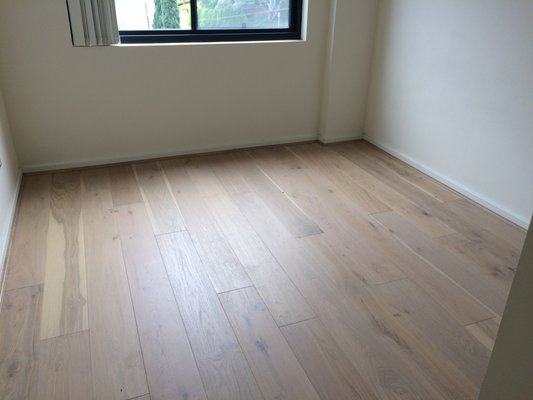 Oak Flooring - Lime Wash2