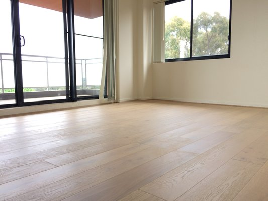 Oak Flooring - Lime Wash3